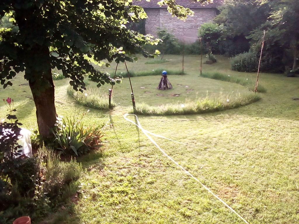 Le cercle Vert en cours de formation. Au 30 juin 18, les herbes étaient hautes...